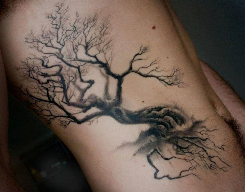 tatouage arbre noir l gant sur les c tes tatouage ju pinterest tatouage arbre tatouage. Black Bedroom Furniture Sets. Home Design Ideas