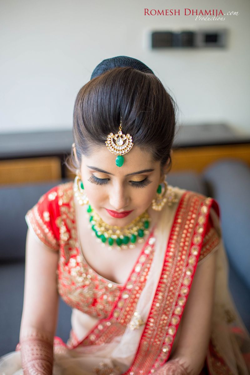 25a5fe6ac Contrast jewellery in emerald green with red lehenga | Things to ...