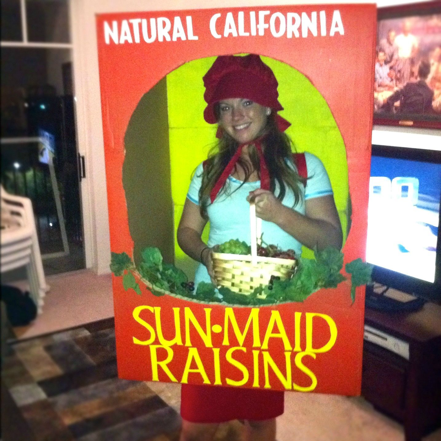 #Halloween costume 2011 Sunmaid Raisin Girl IN the box. Hand painted no computers used - and those are REAL grapes in my basket! more info megan[.  sc 1 st  Pinterest & Halloween costume 2011: Sunmaid Raisin Girl IN the box. Hand painted ...