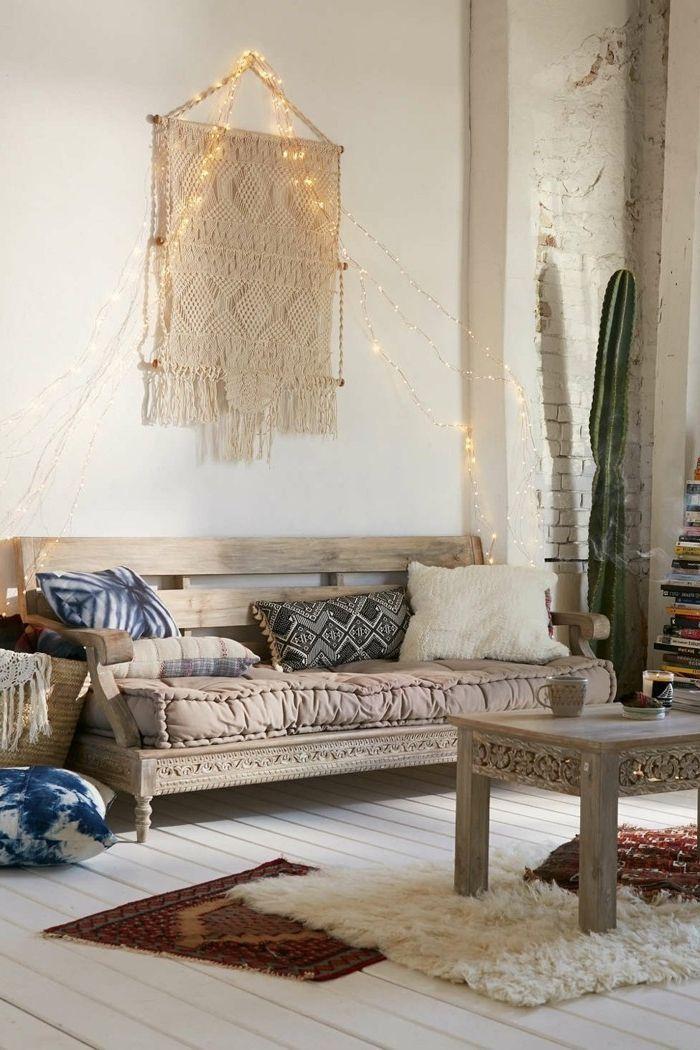 1001 designs magiques pour cr er un salon cocooning salon pinterest canap de bois - Guirlande lumineuse salon ...