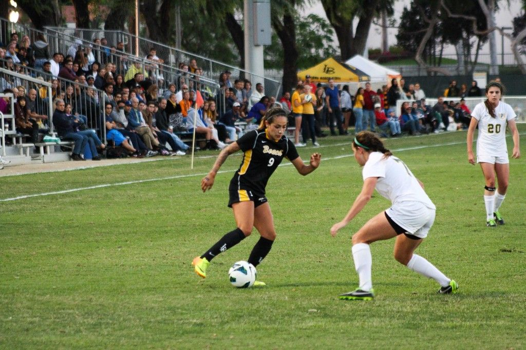 Elizabeth Lyons Dribbling Long Beach Cal State Running