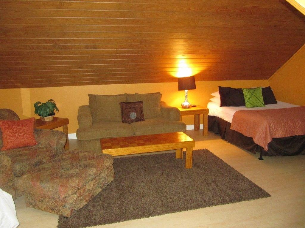 Bonus Room w/ Sofa/Chair/Queen/Twin/ TV Home, Grand