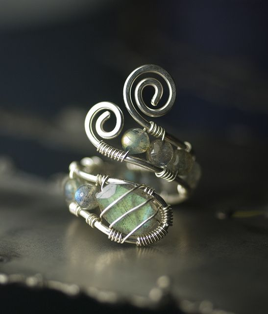LUXE AA Blue Flash Labradorite Sterling Silver Wirework ring by Moss & Mist Jewelry