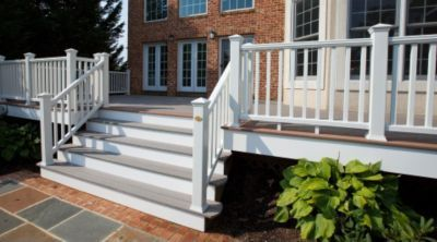 Trex Steps And Railing. I Like The Gray Steps With The White Risers And  White Railing
