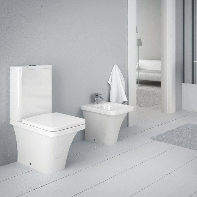 hidra ceramica stand wc mit sp lkasten und geberit. Black Bedroom Furniture Sets. Home Design Ideas