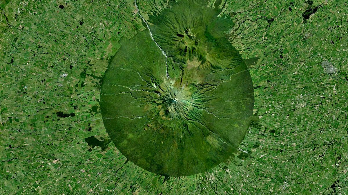Photos of earth that give you a fresh perspeective. Mount Taranaki – North Island, New Zealand 39°17′47″S 174°03′53″E