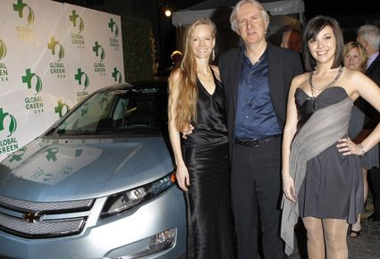 Top Tier Director James Cameron With Wife And Chevy Volt Chevrolet Strapless Dress Formal Chevy