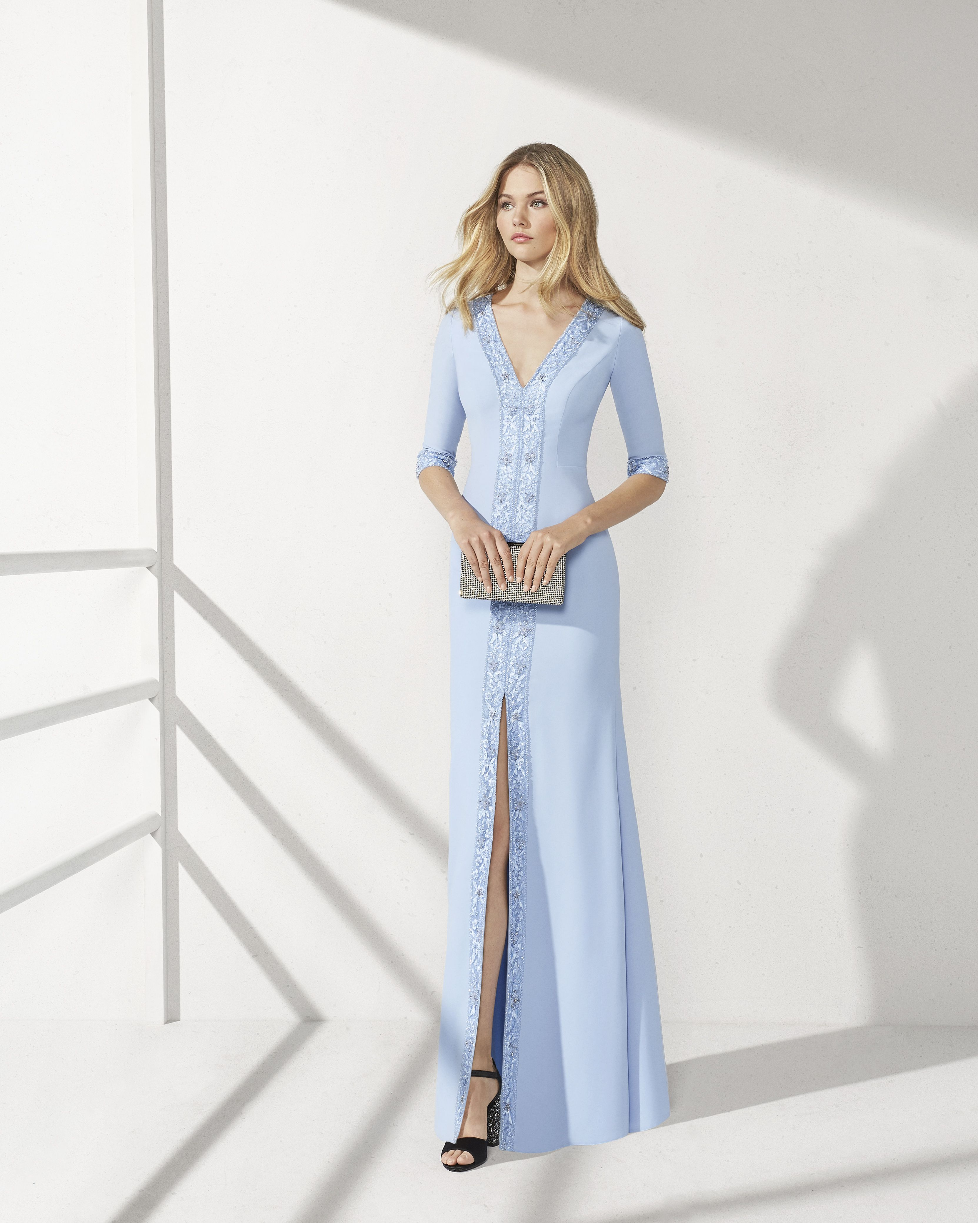 2ccbdb5e25 Beaded crepe cocktail dress. V-neckline and slit skirt. 2019 ROSA CLARA  COCKTAIL