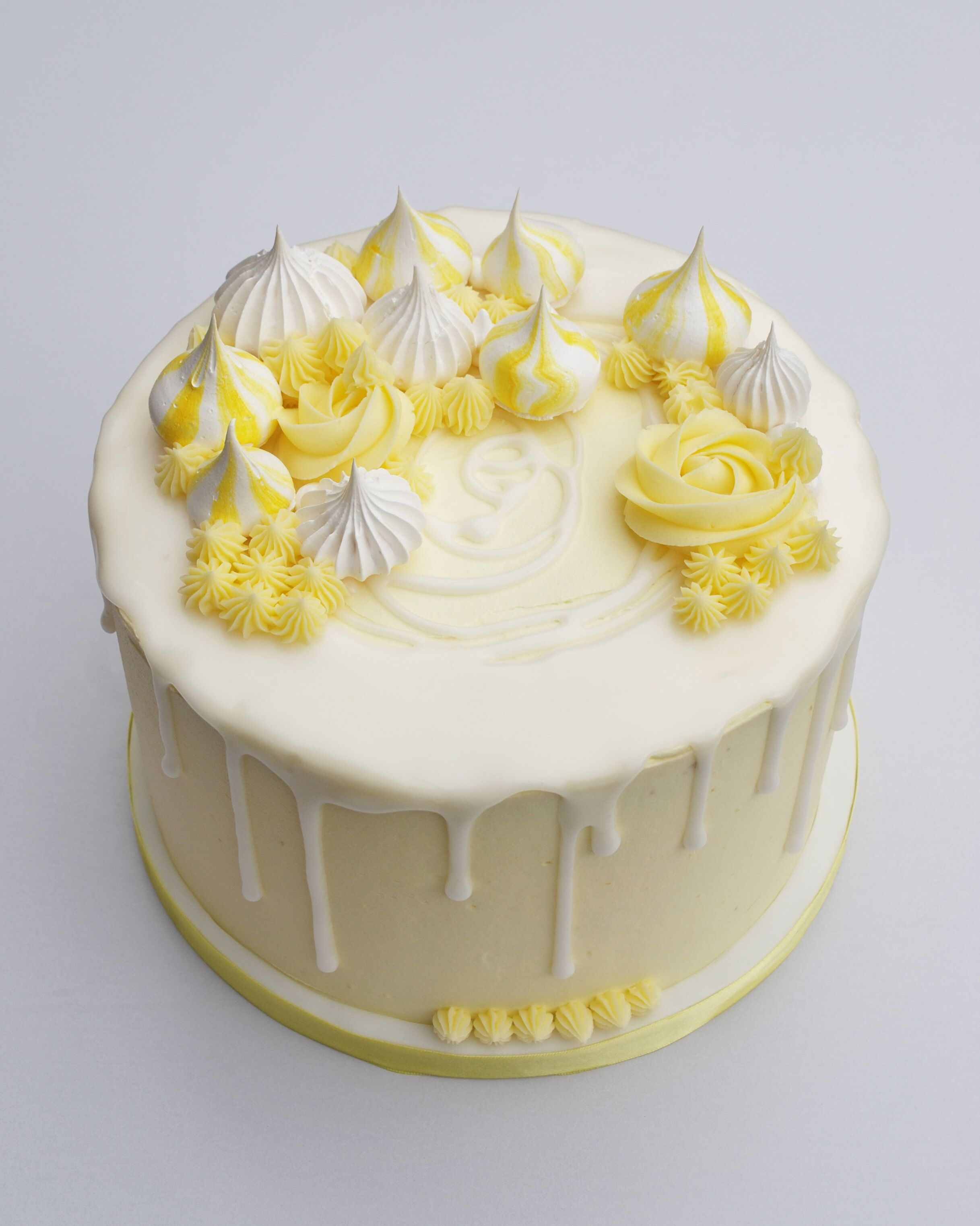 Lemon Meringue Drip Cake Lemon Birthday Cakes Lemon Meringue