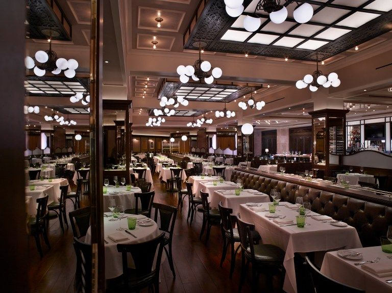 How to have a chic las vegas wedding restaurant interior