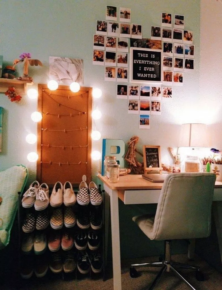 ✔98 Cool And Simple College Apartment Decoration Ideas 28 #picturewallideas