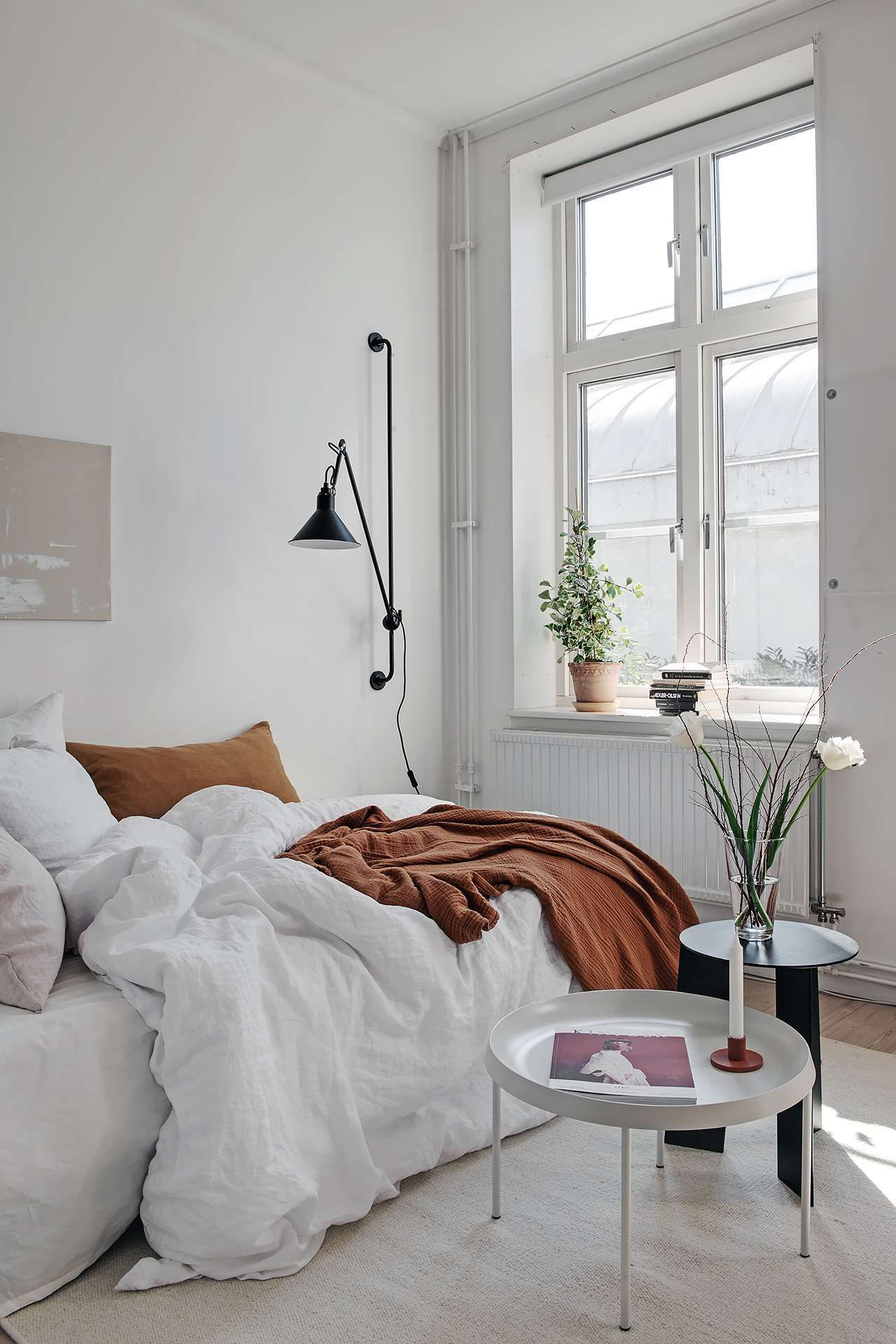Small Yet Stylish Studio Home Via Coco Lapine Design Blog