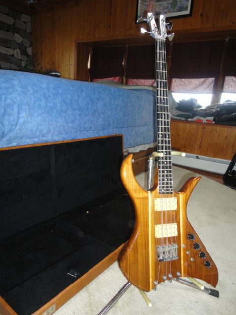 Rare kramer xl8 - 8 string bass - excellent condition