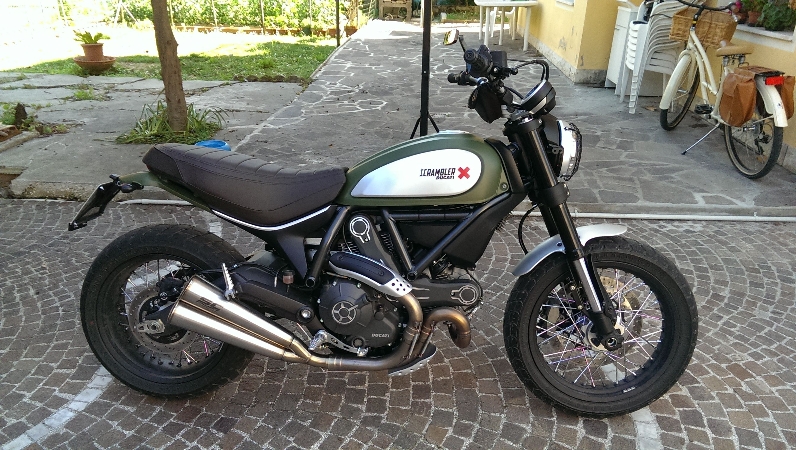good looking sc project pipes on the urban enduro official exhaust thread ducati scrambler. Black Bedroom Furniture Sets. Home Design Ideas