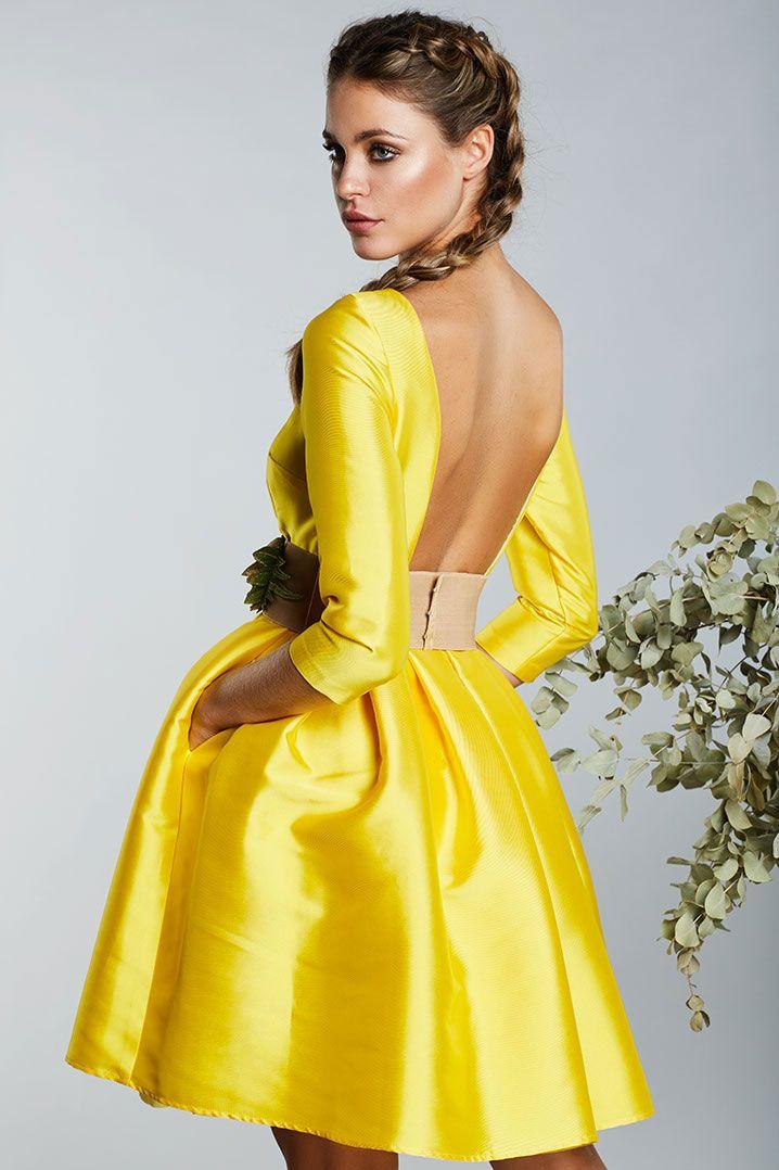Resultado de imagen de trajes de fiesta amarillo
