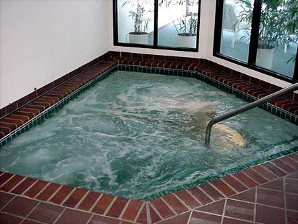Whirlpool At Thomas Lake Pointe Apartments In Eagan Mn Apartment Eagan Hot Tub