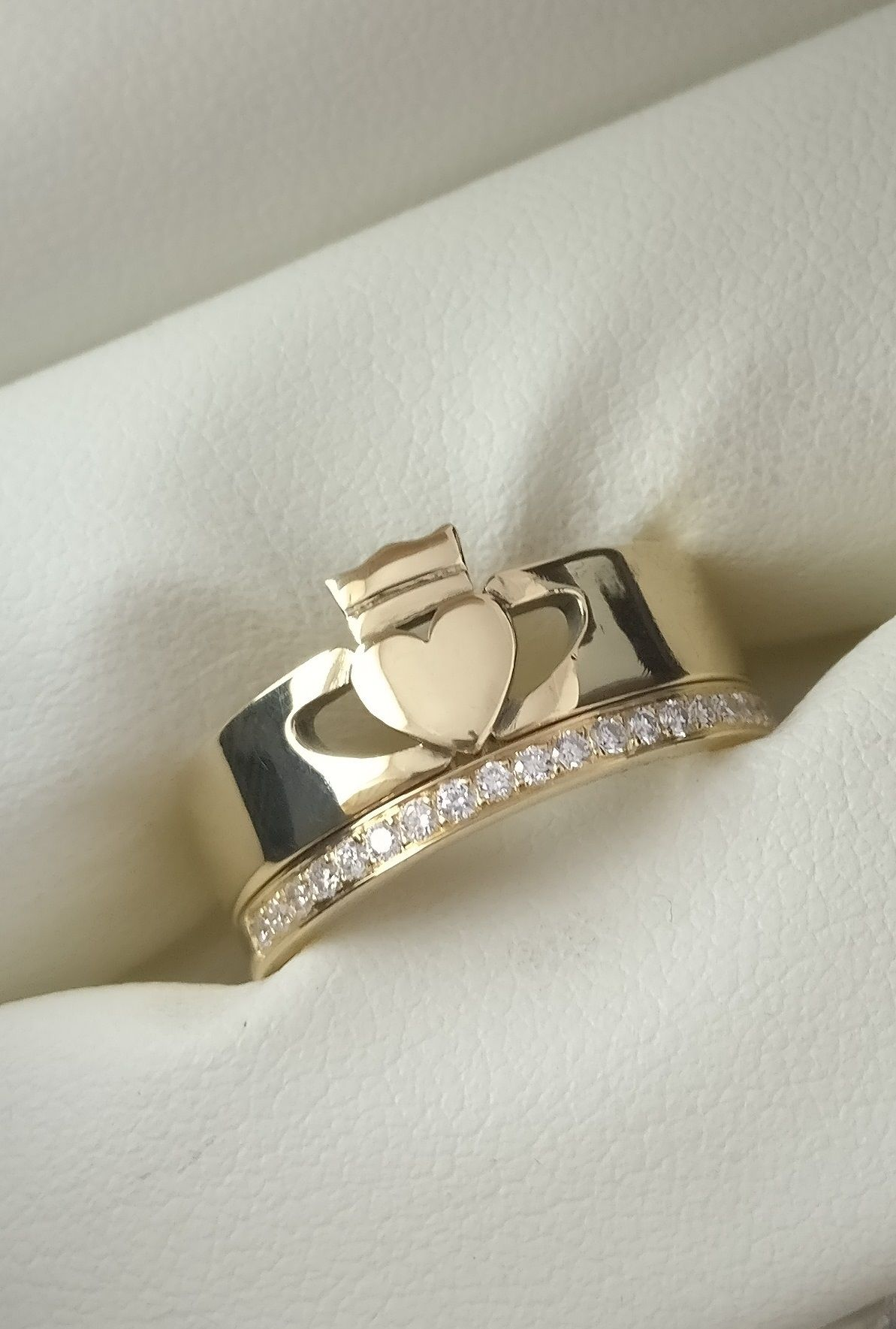 Gold Claddagh Ring Women's Modern Luxury engagement
