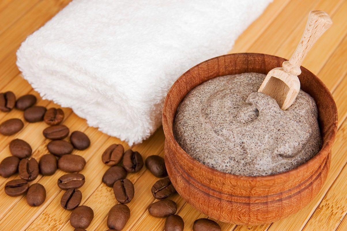 فوائد القهوة في علاج السيلوليت والخطوط البيضاء نهائيا Coffee Scrub Diy Face Scrub Homemade Coffee Body Scrub