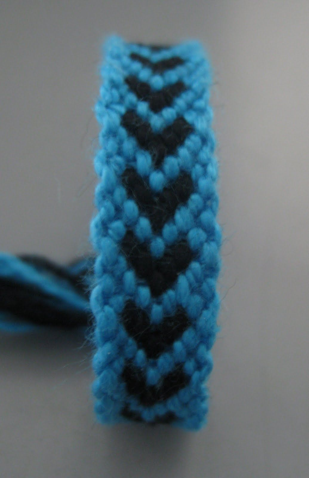 "Do It Yourself ""hearts"" Friendship Bracelets Easy Tutorial  Just In Five  Minutes"