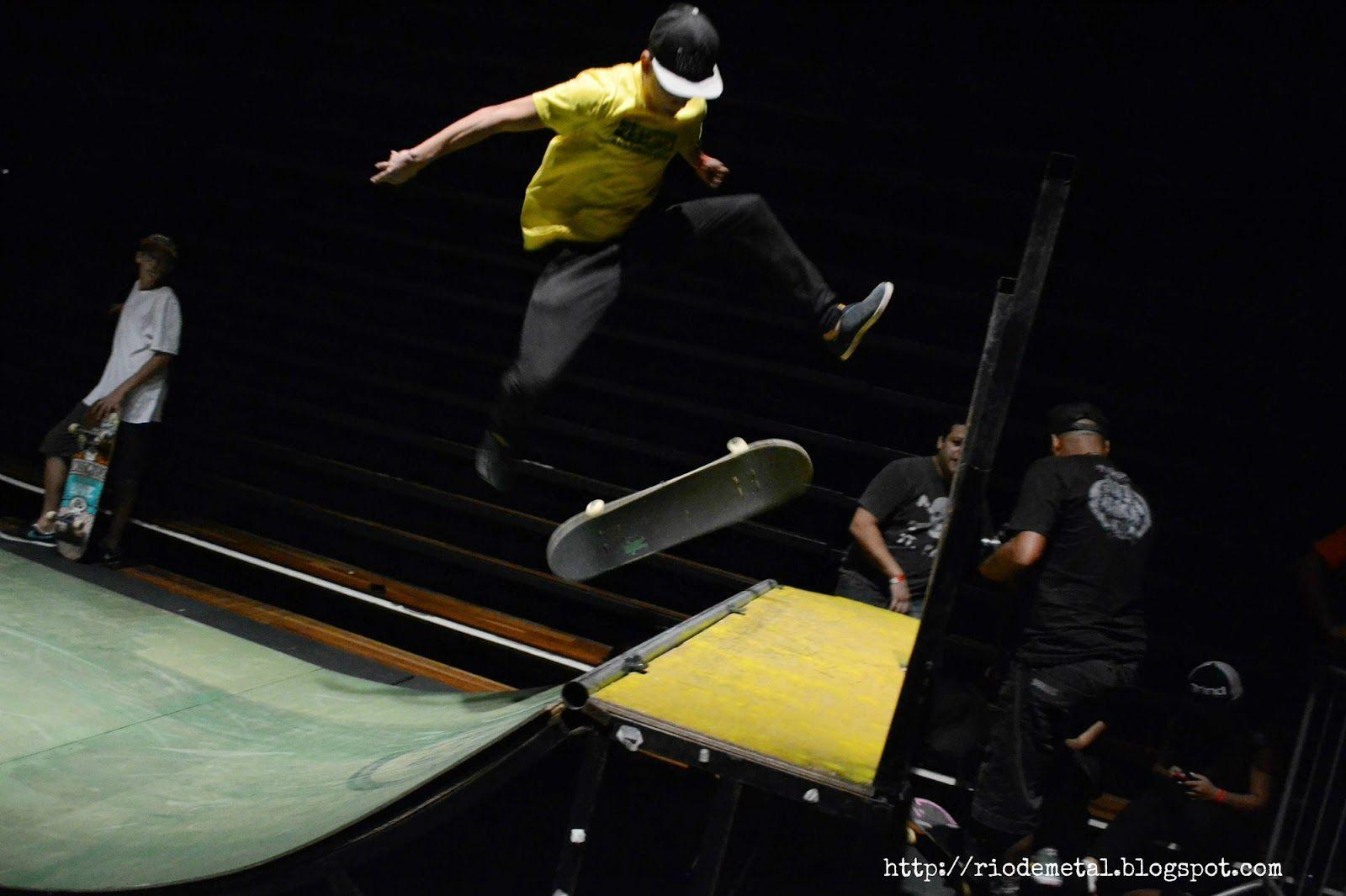 Evento Rio Novo Rock, no Centro Cultural João Nogueira, A.K.A. Imperator! :D Sempre rola uma pista de skate no fundo do auditório.