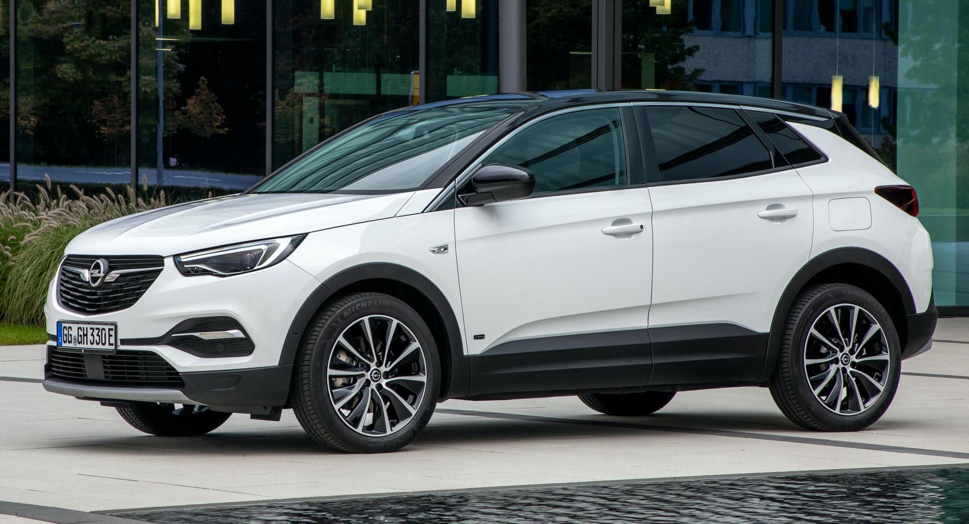 Opel And Vauxhall Launch Fwd Grandland X Plug In Hybrid With 221 Hp Vauxhall Opel Fwd
