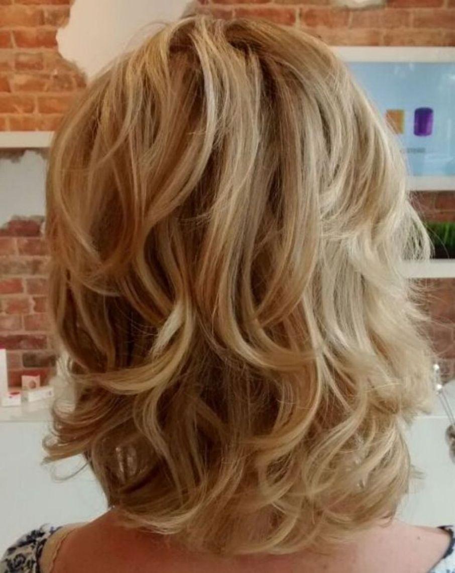 Medium Layered Golden Blonde Hairstyle | Medium hair ...