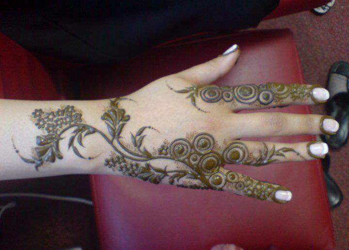 Modern Arabic Mehndi Designs 2014 : Designs of mehndi 2014 for eid on foot simple dresses hands