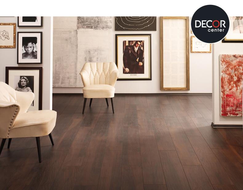 Sala con piso de madera estructurado walnut de marca - Rinconeras de madera ...