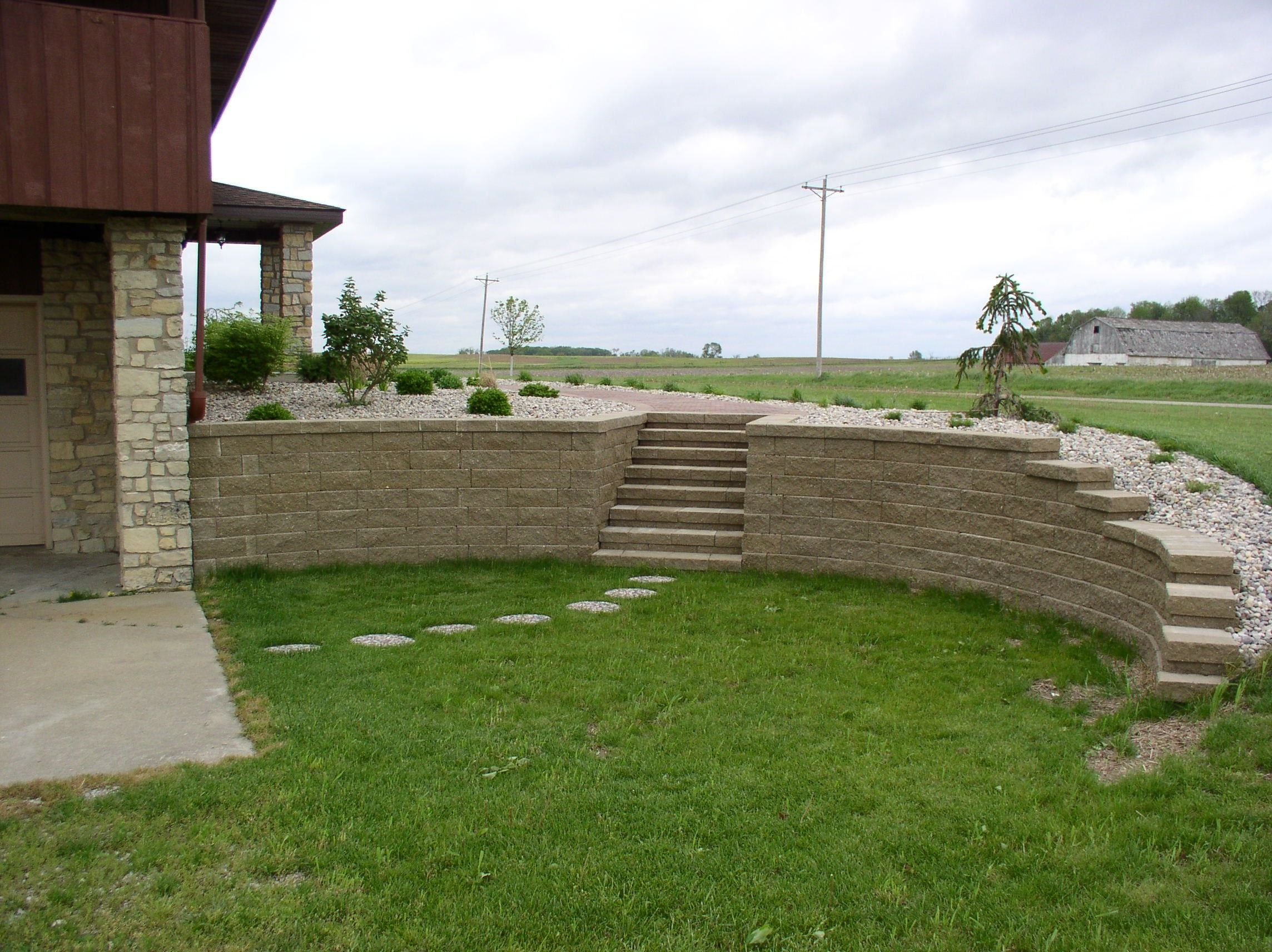 curved and stepped retaining wall