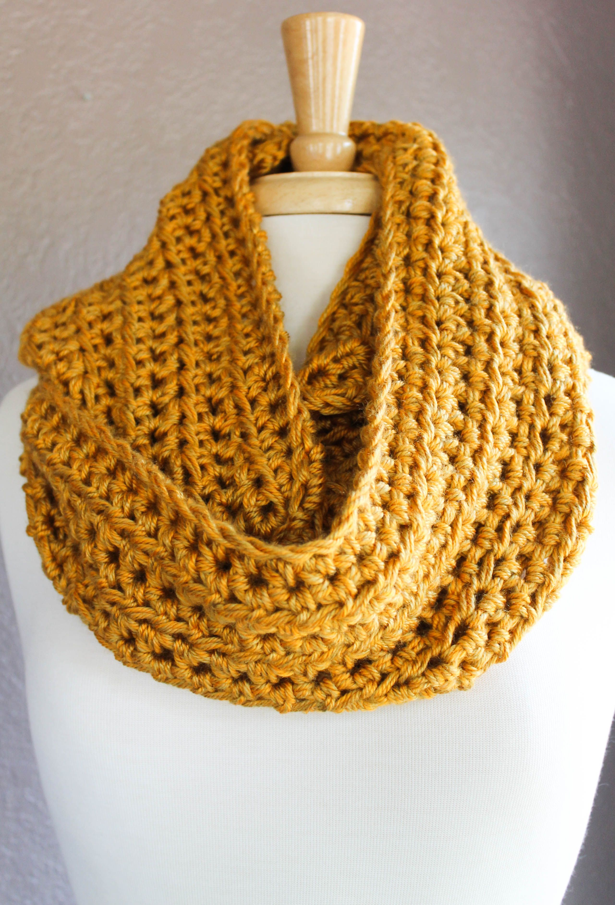 Here\'s an easy crochet scarf pattern using half double crochet for ...