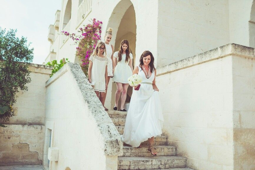 Bride & bridesmaids  #bride ##love #wedding #happiness #weareinpuglia #weddingphotographer #weddingphoto #happiness #borgoegnazia #b-rollstudio #weddingdestination