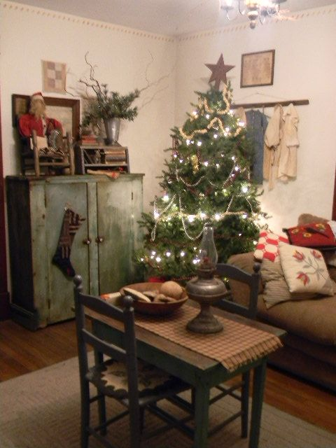 Our Holiday Farmhouse Primitive Christmas Decorating Primitive Country Christmas Primitive Christmas