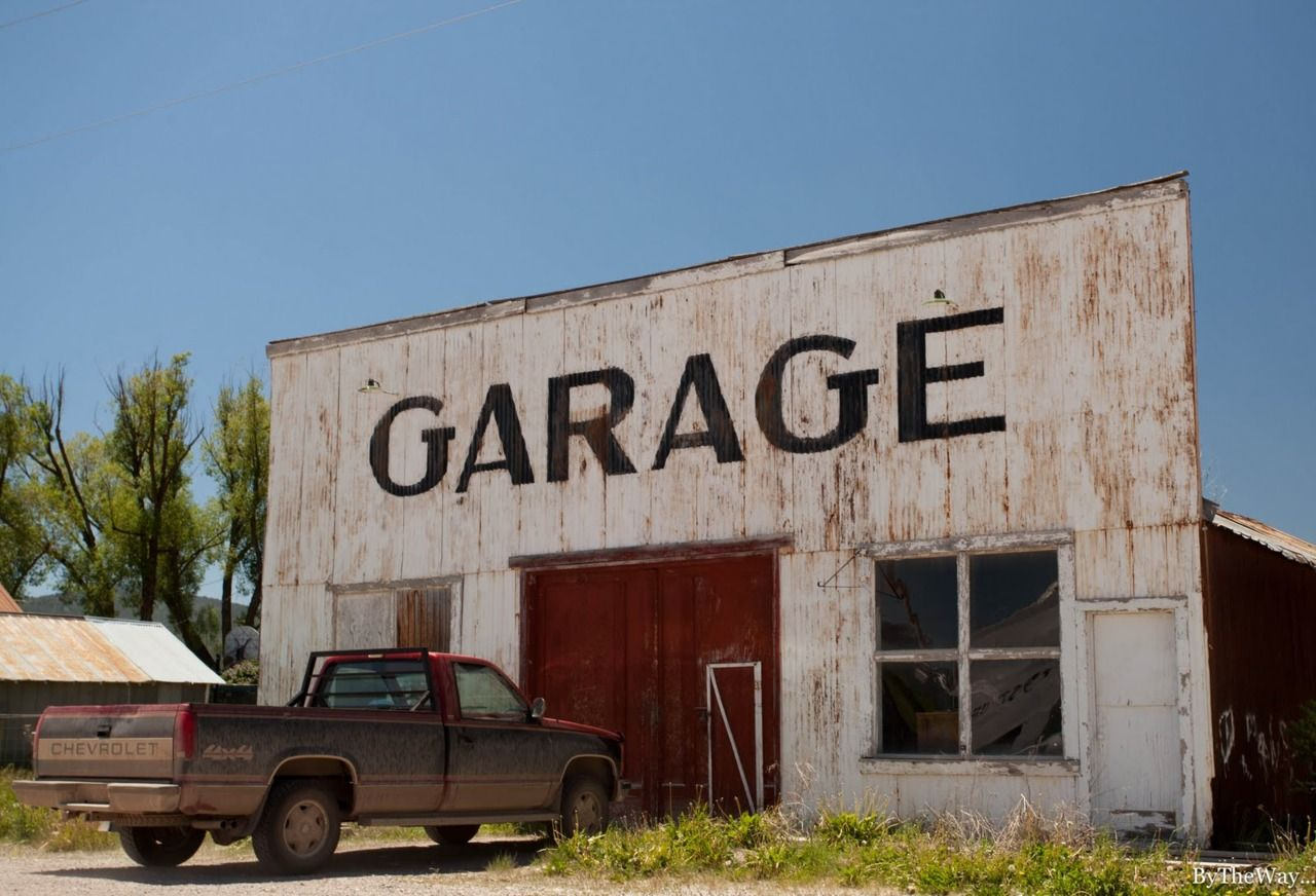 Old Garage In Montana Old Garage Garage Art Garage