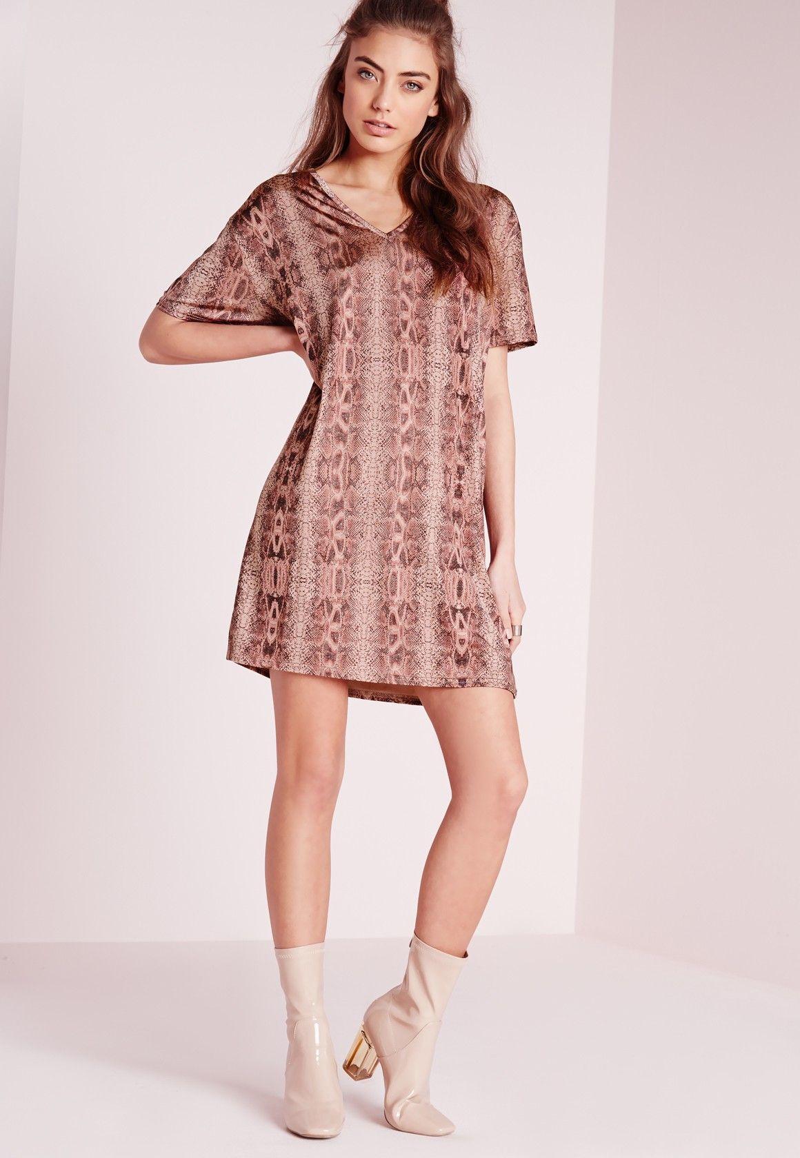8eba1879358 Missguided - V-Neck Snake Print T-Shirt Dress Rose
