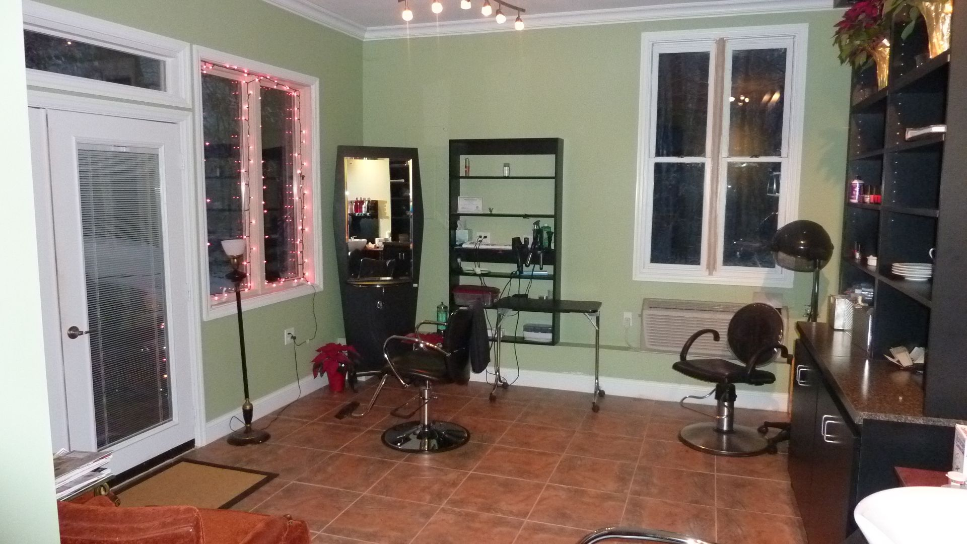 I Will Make My Own Salon In My Backyard Now That I Have Space To Do That In The Garage Home Salon Beauty Salon Decor Salon Decor