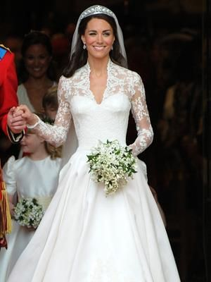 5 of the Most Expensive Wedding Dresses Ever: 3. Kate Middleton\'s ...