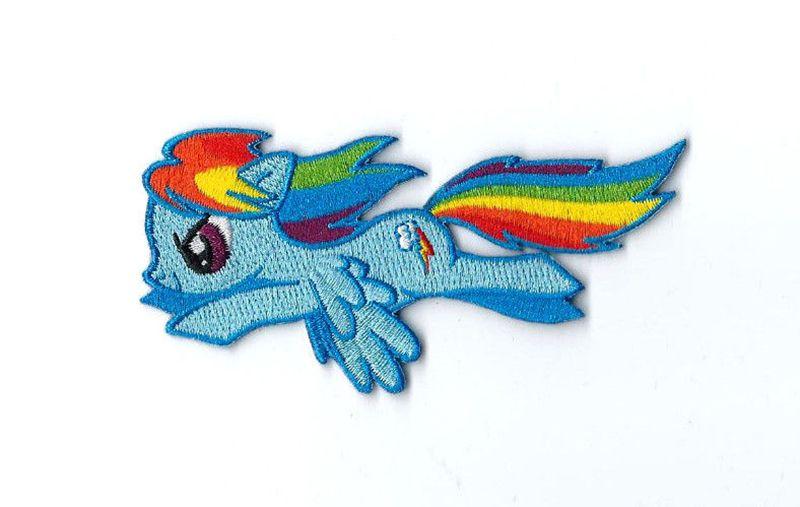 Toppa ricamata My Little Pony con criniera arcobaleno da applicare con il ferro in alto sulla schiena di camice e t-shirt oppure sulle linguette delle sneaker. Di Atlas We Meet su Ebay.com