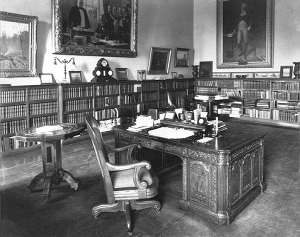 Victorian Study Room Victorian Decor Pinterest Study rooms