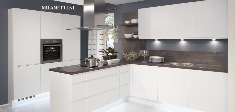 Ikea keukendeurtjes model greeploos wit mat model greeploos pinterest model en ikea - Model keuken wit gelakt ...