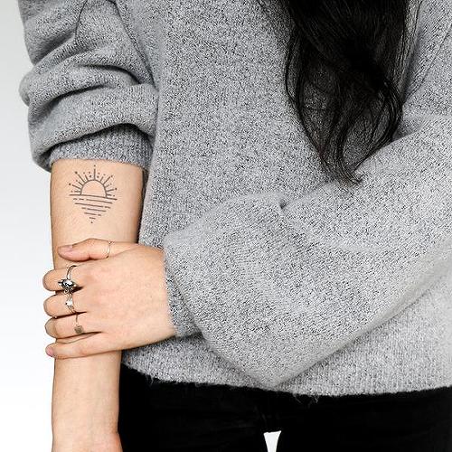 Horyzontu Tattoo - Semi-Permanent Tattoos by inkbox™