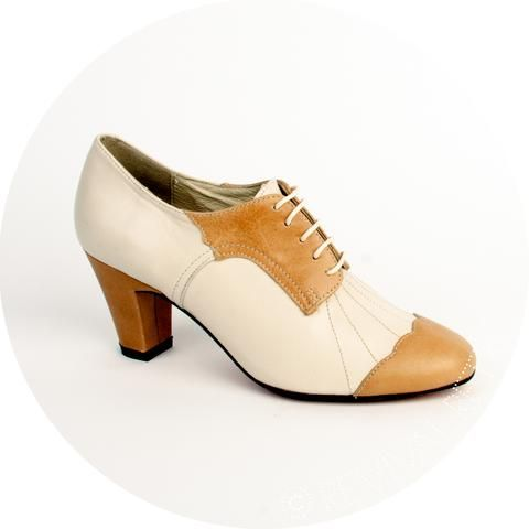 e39aaf1d2ab66 CARRINI Cutout Womens Oxford Shoes