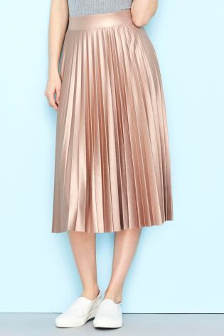 3e76ecd993 Add this pleated skirt to your festival attire with trainers and glittery  make-up!