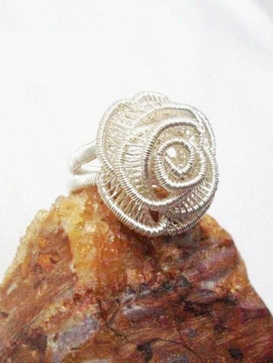 BorneoQueen: Adjustable ROSE Ring, Wire Jewelry Tutorial | I\'m wired ...