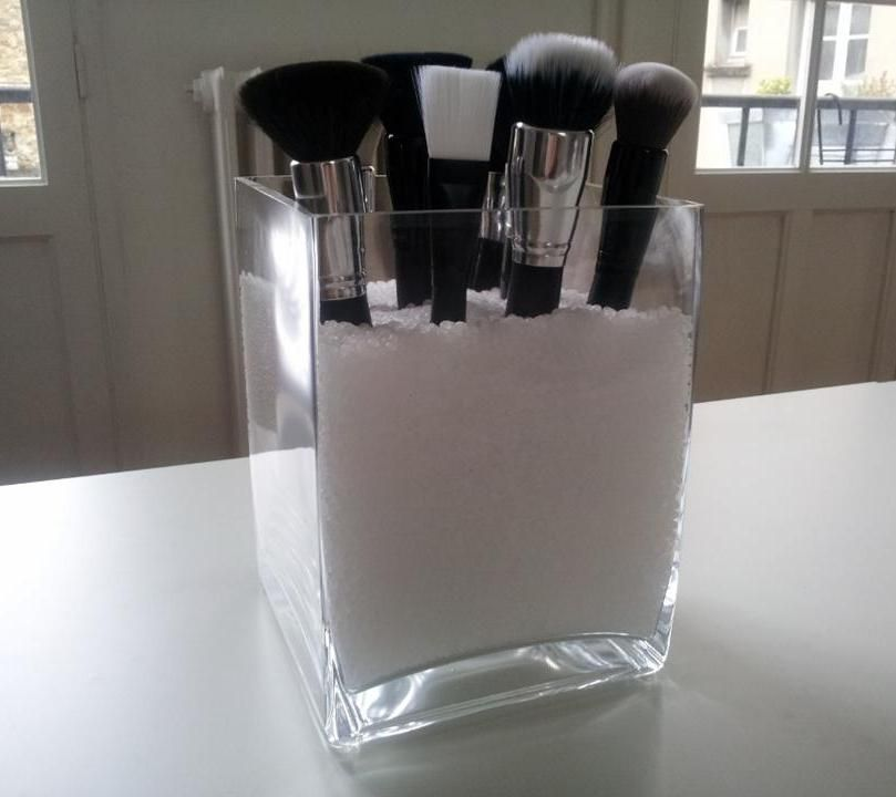Pot pinceaux ajouter selon la d co de la salle de bain des micro billes mini galets - Micro salle de bain ...