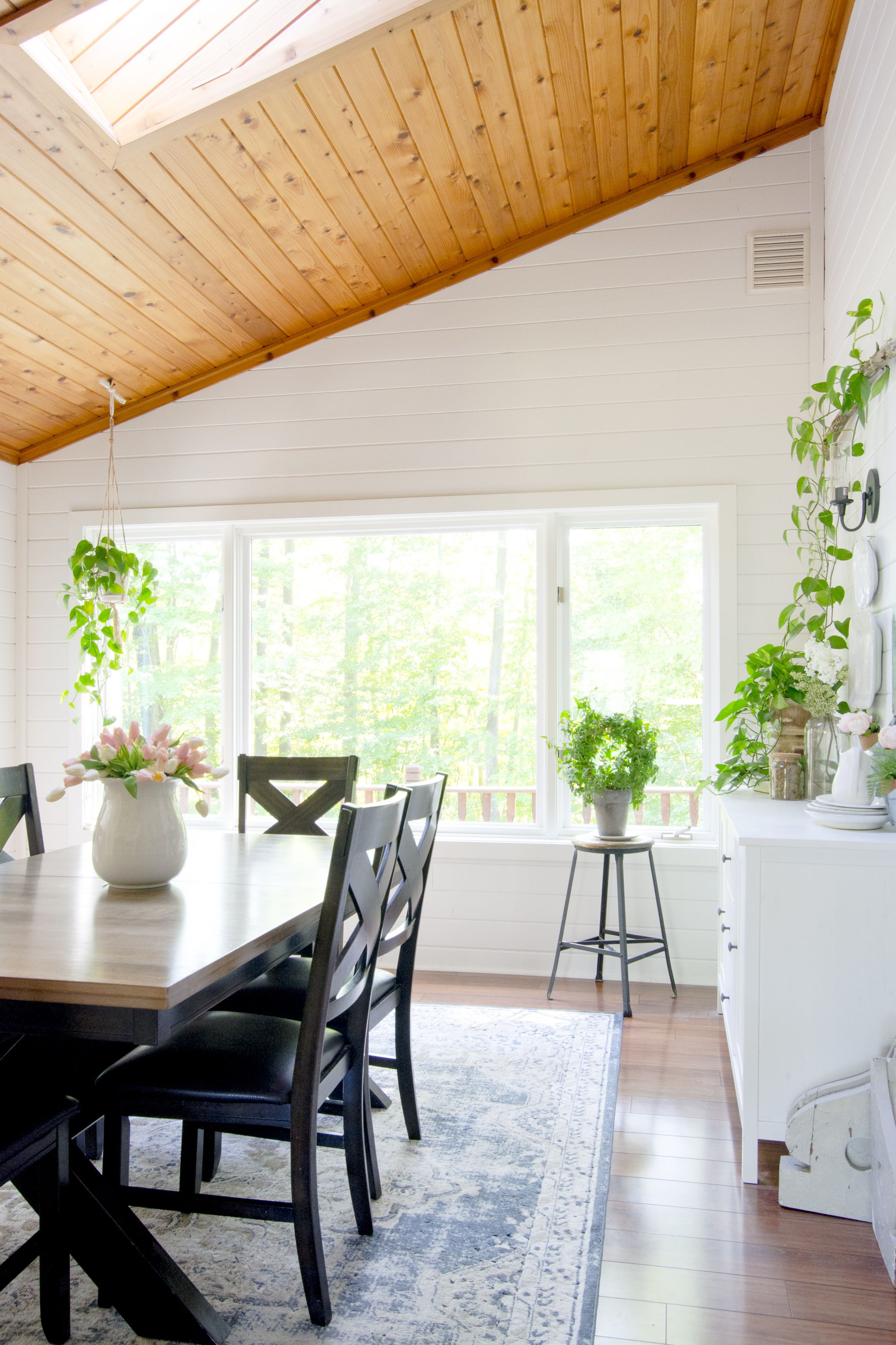 How To Paint Window Trim Without Tape Window Trim Window Painting Stylish Dining Room