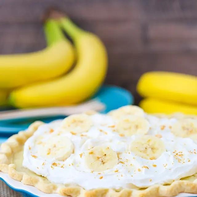 Banana Cream Pie Recipe | Yummly #sugarcreampie