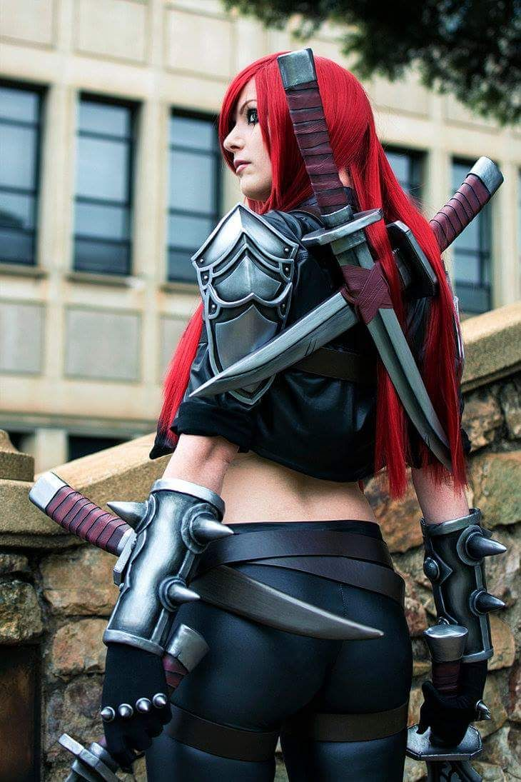 Cosplayer: Kinpatsu Cosplay.Country: South Africa.Cosplay: Katarina from League of Legends.Photo by: Giantshev Cosplay.