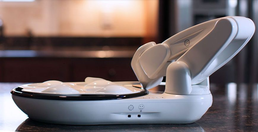 ❝ Obi, un robot que alimenta personas incapacitadas [VÍDEOS] ❞ ↪ Puedes verlo en: www.proZesa.com