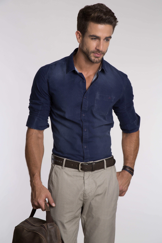 a66000fc8e Camisa jeans com lavagem moderna e micro poá