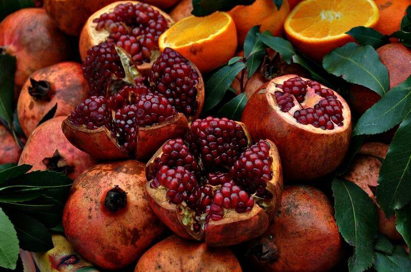 Pomegranates (from I Love Fruits FB page)